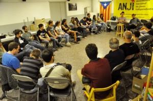 Rotllana plena, al Casal Jaume Compte, a la presentació de l'ANJI de Sants-Montjuïc (foto de Josep-Lluís González by-nc-sa)