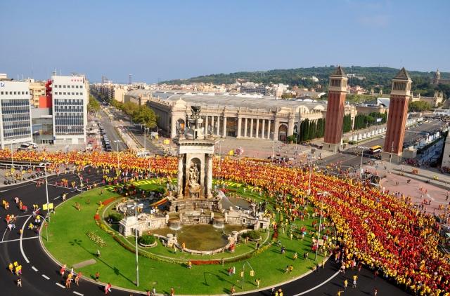 Admirables barres al revolt de la plaça Espanya