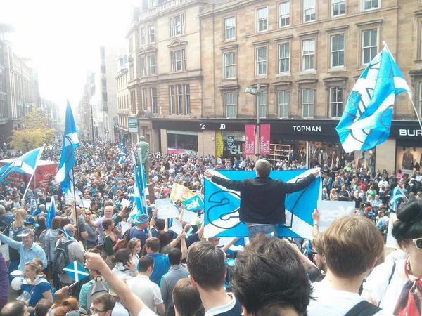 Eufòria espontània a Glasgow, preveient el Sí de dijous