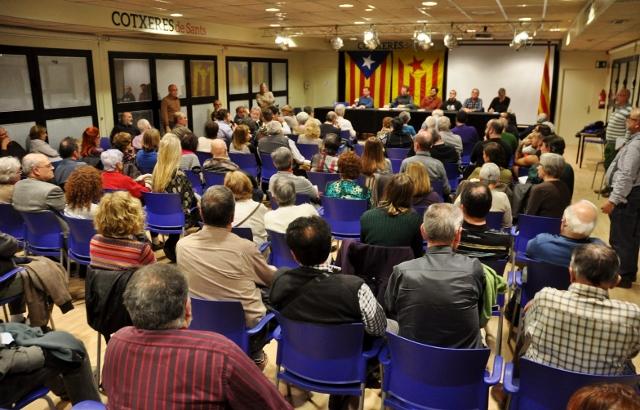 Sala d'actes plena a les Cotxeres de Sants (foto de Josep-Lluís Gonzàlez publicada amb llicència oberta CC by-nc-sa)