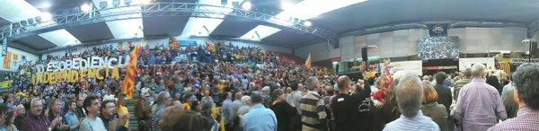 Les lletres de DESOBEDIÈNCIA a Manresa, a l'assemblea general ordinària de l'Assemblea, el 17 d'abril de 2016